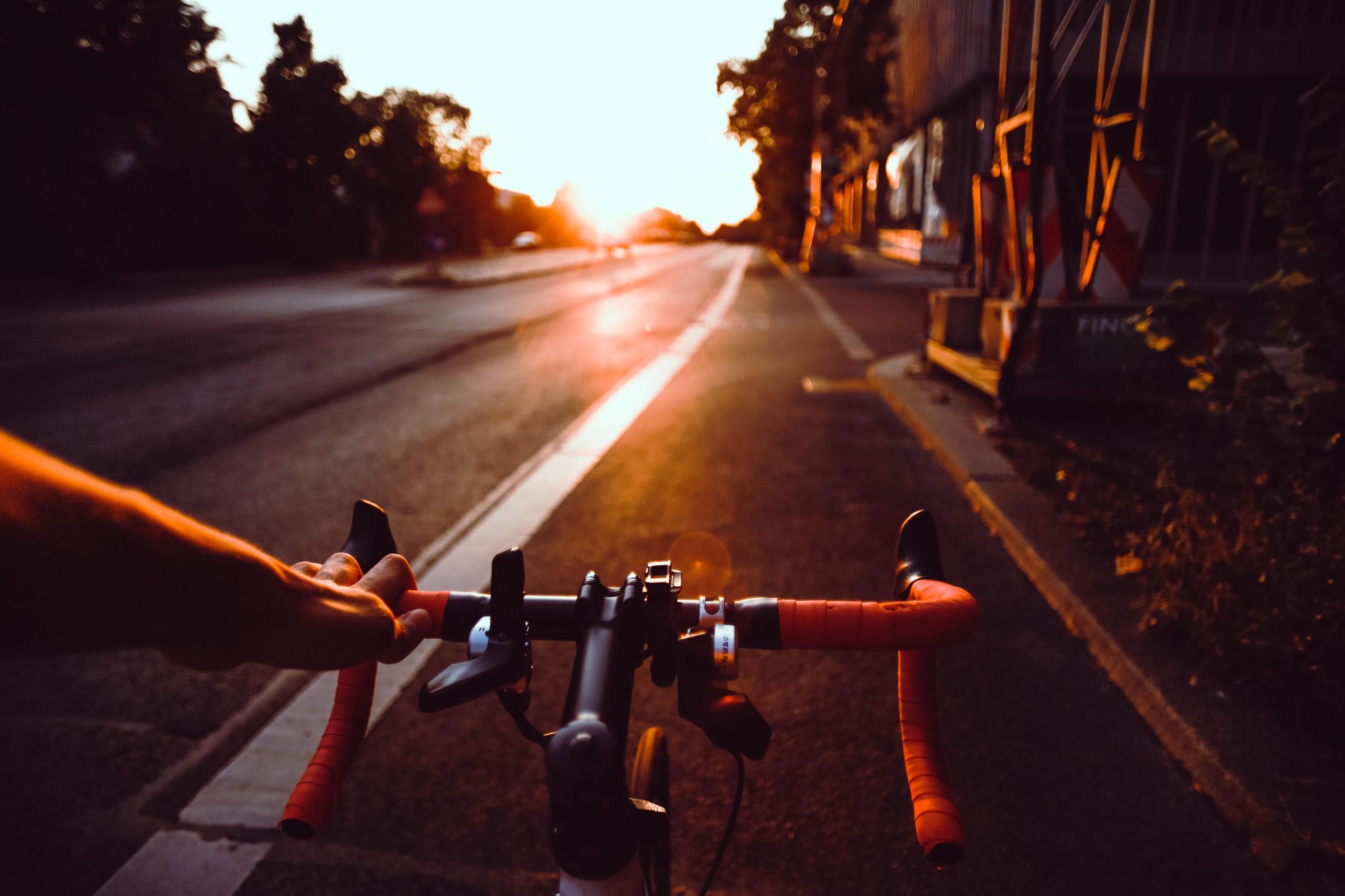 Fahrt auf Elektro-Fahrrad